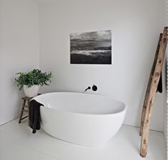 The Design Chaser: Freestanding Baths