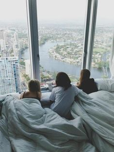 dream apartment, window, bed, the view, city views, city living, apartments, place, friend