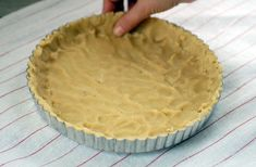 simple gluten-free tart crust (just 4 ingredients - almond flour, coconut oil, salt, and a egg).