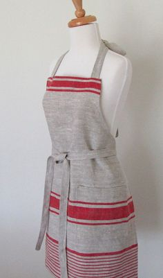 linen apron with pocket. Want!!