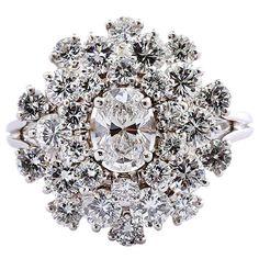 OSCAR HEYMAN 3.50 carats Diamond Platinum Cluster Ring