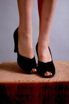 1940s shoes / 1940s navy suede peep toe heels / by coralvintage, $112.00