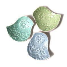 Vintage lace texture ceramic bird bowls