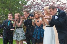 Fun prom picture with GLITTER! (Creative homecoming/prom pics).