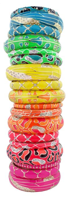 Amazing rainbow-colored stack of bangles | thejcrgirls.com