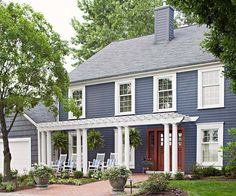 Look through this collection of before-and-after home exteriors to find entryway designs that add curb appeal and welcome guests: http://www.bhg.com/home-improvement/exteriors/curb-appeal/entryway-designs/?socsrc=bhgpin102514embraceaneighborlyfeel&page=10