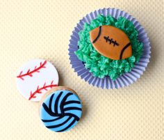 How to make fondant baseball, volleyball, & football cupcakes • CakeJournal.com