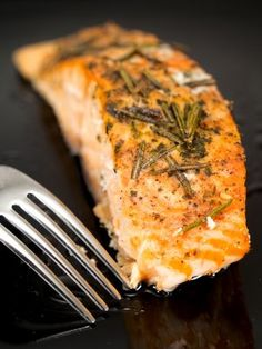 Broiled Salmon with Rosemary #lowcarb #salmon #fish