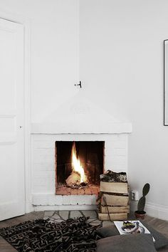 Cozy cozy. Fireplace