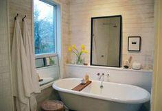 simple clawfoot tub