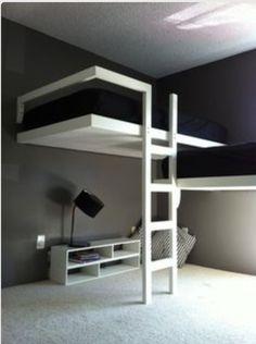 Loft bed(s)