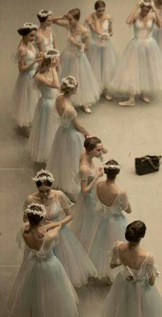 Ballet troop