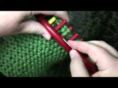 ▶ How to Decrease The Crown Of a Loom Knit Hat - YouTube