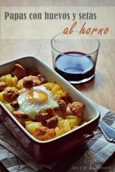 Patatas con huevos y setas al horno