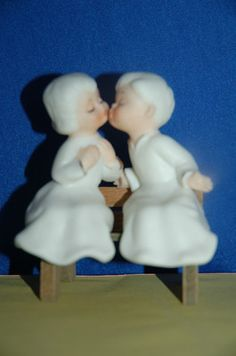 Vintage Porcelain Kissing Angels on A Bench Figural Salt Pepper Shakers