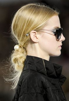 Drops of Pearls!  Pearls Hair Pins Trend for Spring Summer 2013.   Chanel Spring Summer 2013.  #jewelry #trends
