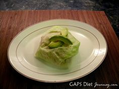 How to prepare Iceberg Lettuce to use as buns or wraps. Bacon, Lettuce, Tomato and Avocado Sandwich