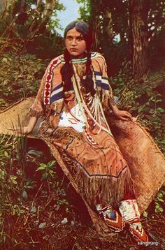 1918 Ojibwa Native American Girl