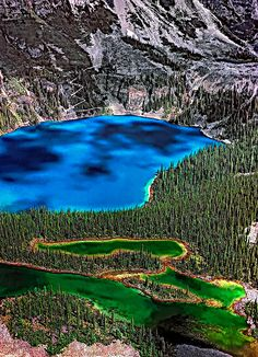 Lake O'hara and emerald Mary Lake on the Continental Divide in the Canadian Rockies