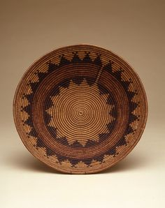 per prior pinner: Navajo shallow basket (by Penn Museum, via Flickr)