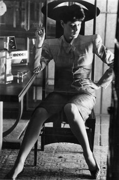 Sean Young on set of Blade Runner.