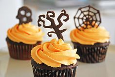 Creepcakes and Chocolate Doodlebats! Easier than you think with this easy to follow tutorial.