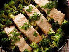 20-Minute Hoisin Skillet Salmon #myplate #protein #veggies