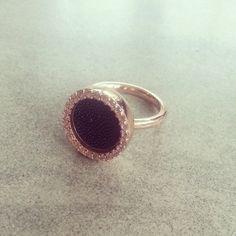 #new #ring #mi #moneda #mimoneda #love #rose #gold #black #stone - @xdevii- #webstagram