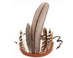 An Easy and Festive Feather Headdress #halloween #costumes #diy