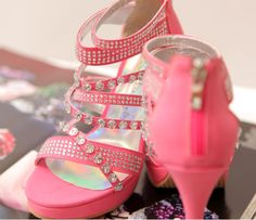 <3 Pink && Rhinestone Heels! Girly<3