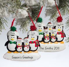 These Penguin Family Christmas Ornaments are adorable! They come in families of 3, 4, 5 and 6 penguins and you can personalize them with everyone's names! I love the added sparkle they have, too ... great Christmas Gift or gift tag idea! #Christmas #Penguin #Ornament