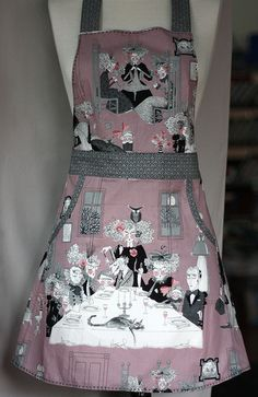 Apron: Alexander Henry novelty print Haunted House A Ghastlie Night in Mauve