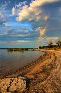 The weather creates beautiful scenes on the shoreline of #Lake Eufaula. Plan your trip to #Oklahoma's largest lake now!