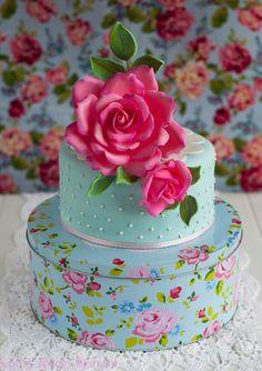 pistachio cake, pink roses, little cakes, shabby chic, cake baking, red roses, baking cakes, rose cake, tin