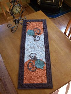 Pumpkin Quilted Table Runner... A simple fall table runner