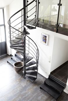 Deco on pinterest loft stairs and chalets - Decoration rampe escalier ...