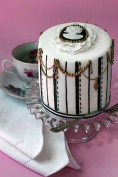 Miniature cameo cake