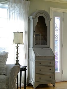 I need to buy some Annie Sloan Paris Grey chalk paint.