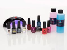 Is your preference for gel manicures hurting your wallet? Do it at home with this starter kit! #beauty #redcarpet #manicure