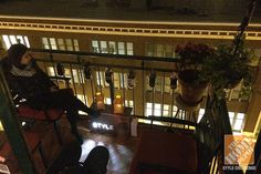 Enjoying a chilly night on a newly decorated apartment balcony in Chicago. Click through for more photos of this unusual outdoor space.