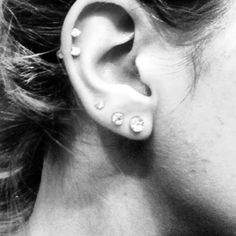 Why are double cartilage piercings so cute...