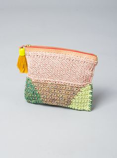 Ikou Tschuss - Crochet + knit Purse
