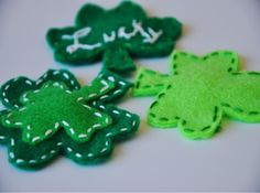 Lucky Shamrock Barrette - Get lucky with this sewing pattern for St. Patrick's Day. Can be worn by kids and adults. felt clover, hair clips, lucki clover, sew idea, lucki shamrock, craft idea, diy craft, felt hair, st patrick