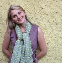 Visit Edyta Sitar from Laundry Basket Quilts' blog.