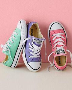 Pastel Converse. I LOVE em!