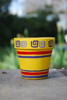 Macetas pintadas on pinterest painted flower pots - Como decorar macetas de barro ...