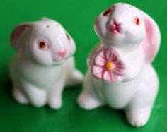 Avon Collectible Bunny Rabbit Salt and Pepper Set