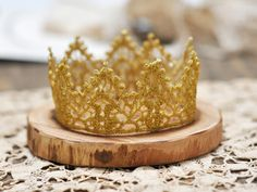 DIY gold lace crown diy gold crown, birthday, lace crown diy, idea, diy lace, crafti, diy paper crown, lace crowns, kid