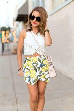 print short, summer outfits, summer prints, lemon print, crop top