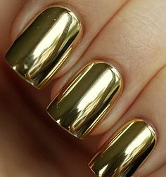 Beautiful Golden Nails- Get Very Easily